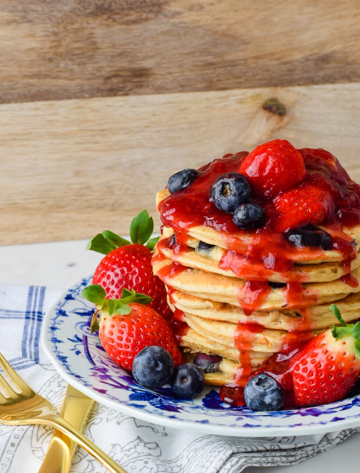 Greek Yogurt And Blueberry Protein Pancakes With Fresh